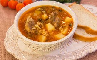 Суп с уткой, рисом и грибами
