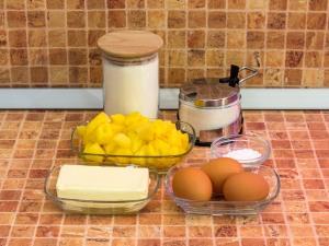 Пирог с ананасами. Ингредиенты