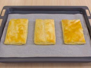 1112 0380r2l 2391 p Рецепт: Закусочные пирожные из слоеного теста, форели и авокадо
