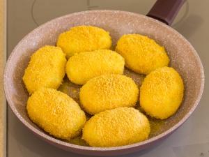1150 01770ku9 7831 p Рецепт: Котлеты из картофеля с фаршем и грибами