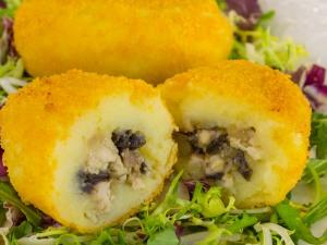 1150 01970ku9 7874 p Рецепт: Котлеты из картофеля с фаршем и грибами