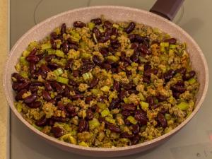 1151 01559e1k 7686 p Рецепт: Фарш с фасолью и сельдереем
