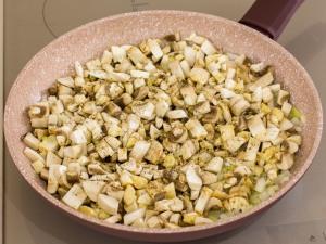 1159 013817oe 9041 p Рецепт: Печеночные котлеты под грибным соусом