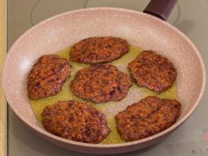 1159 0792erh 9014 p Рецепт: Печеночные котлеты под грибным соусом