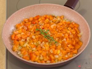 1163 01122j3t 4454 p Рецепт: Печень в беконе в томатном соусе