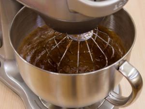 1210 0559q8v 5020 p Рецепт: Шоколадная шарлотка с грушей