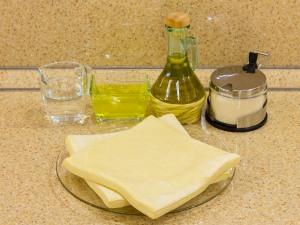 Слоёные трубочки с белковым заварным кремом рецепт с фото