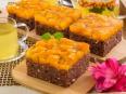 Шоколадно-творожный пирог с абрикосами