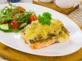 Горбуша, запеченная с картофелем, грибами и сыром