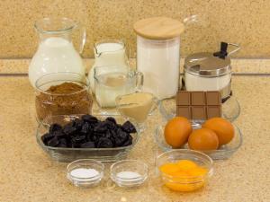 Бисквитный шоколадный торт с заварным кремом - рецепт с фото